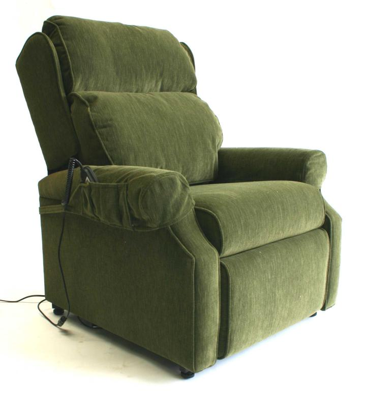Armchair for elderly 28 images chairs for the elderly for Comfortable chairs for seniors
