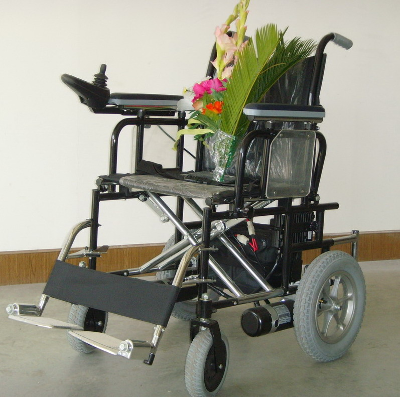 power wheel chair lift, power wheel chair seat lift, pronto power wheelchair, enclosed electric wheelchair carrier