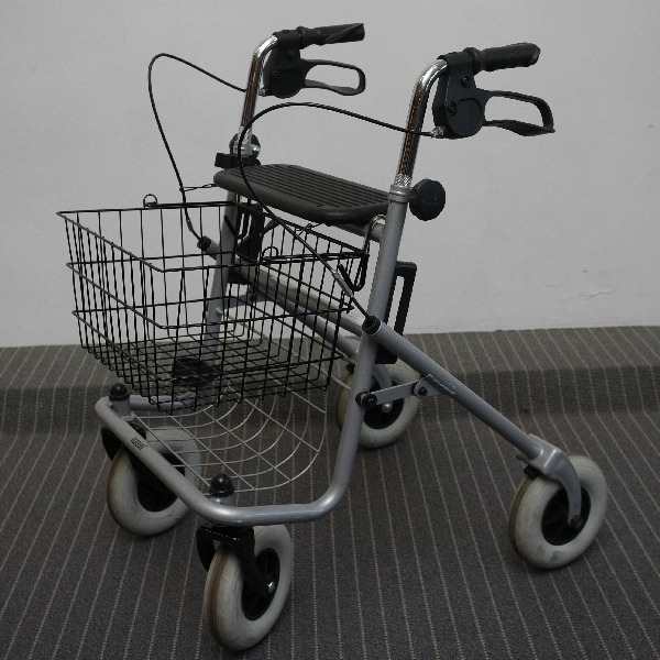 rollator comparison, rollator transport walker, bariatric rollator, invacare economy jr rollator
