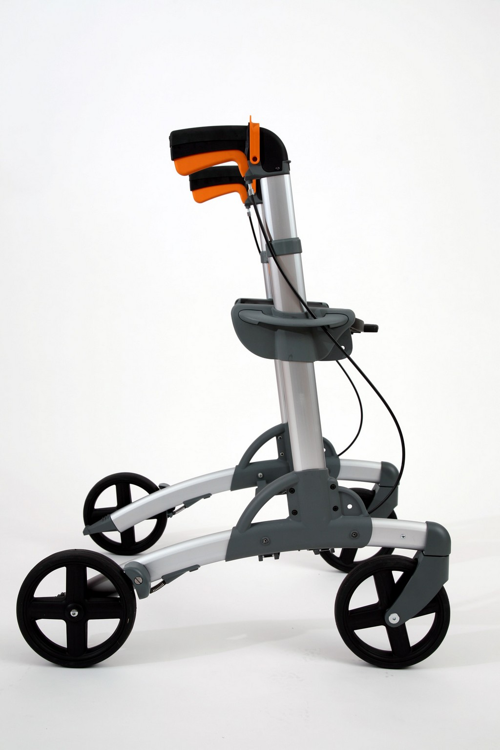 rollator walker with seat, wide rollators with seat, nova rollators, rollator norge