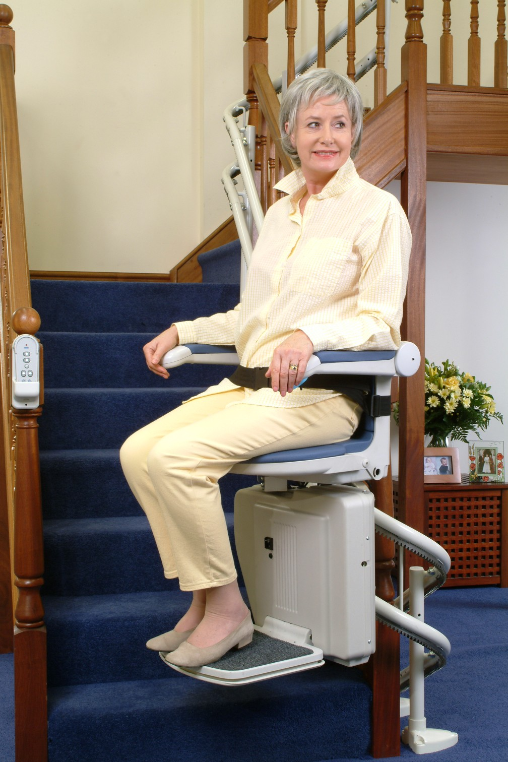 Electric chair for stairs best home design 2018 for Motorized stair chair lift
