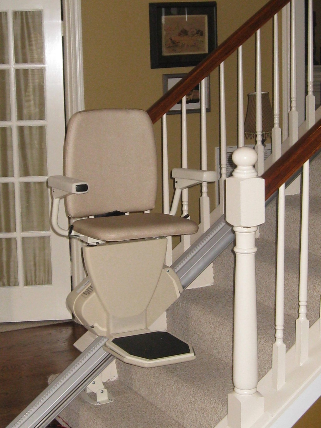 Wheelchair assistance stair chair lift for Motorized stair chair lift