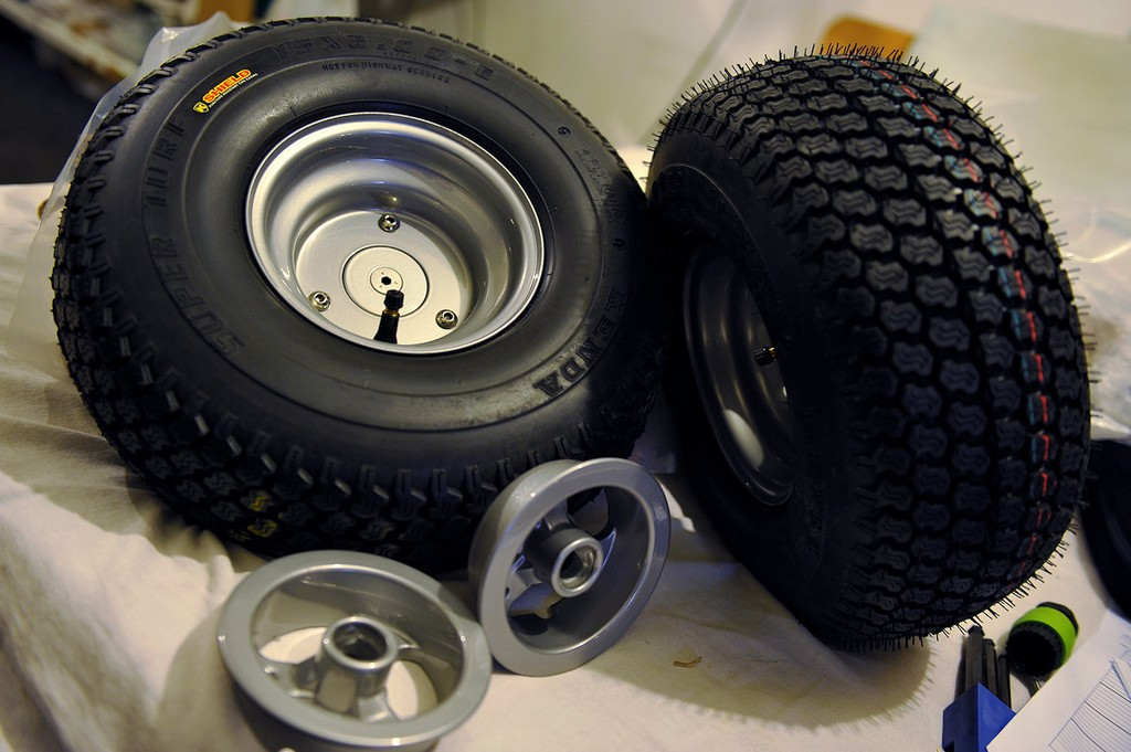 power wheelchair tire, wheelchair van accessories, lifting cushion, moble wheelchair tires