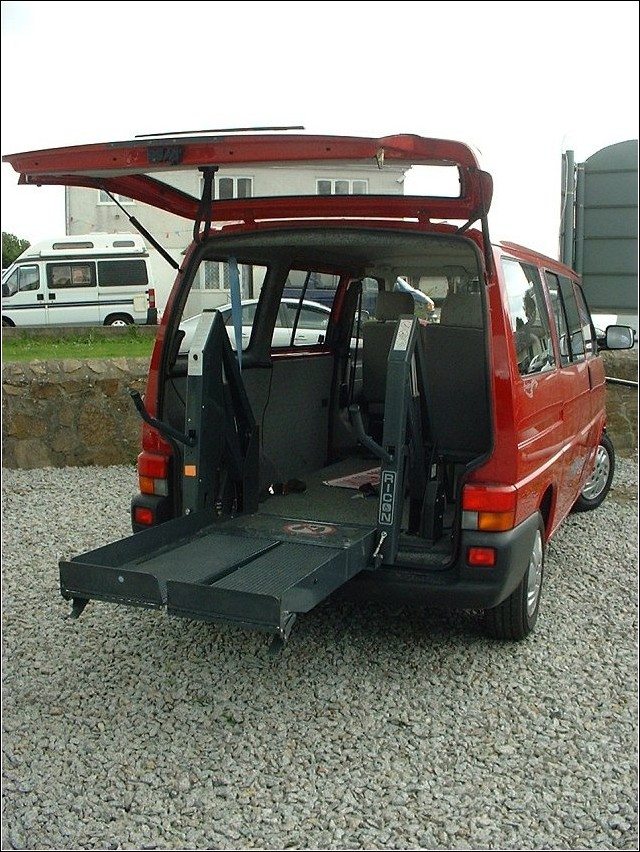 Hydraulic Wheelchair Lifts For Vehicles : Wheelchair assistance rear hydraulic lifts