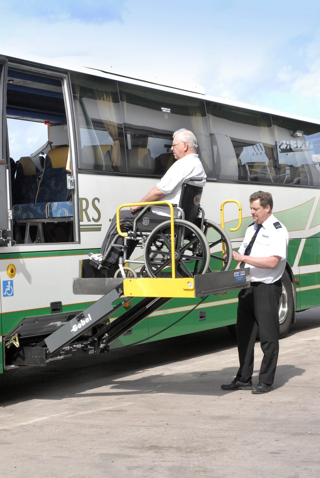 electric wheelchair lifts, electric wheel chair lifts, bus wheelchair lift photos, passenger with wheelchair lift