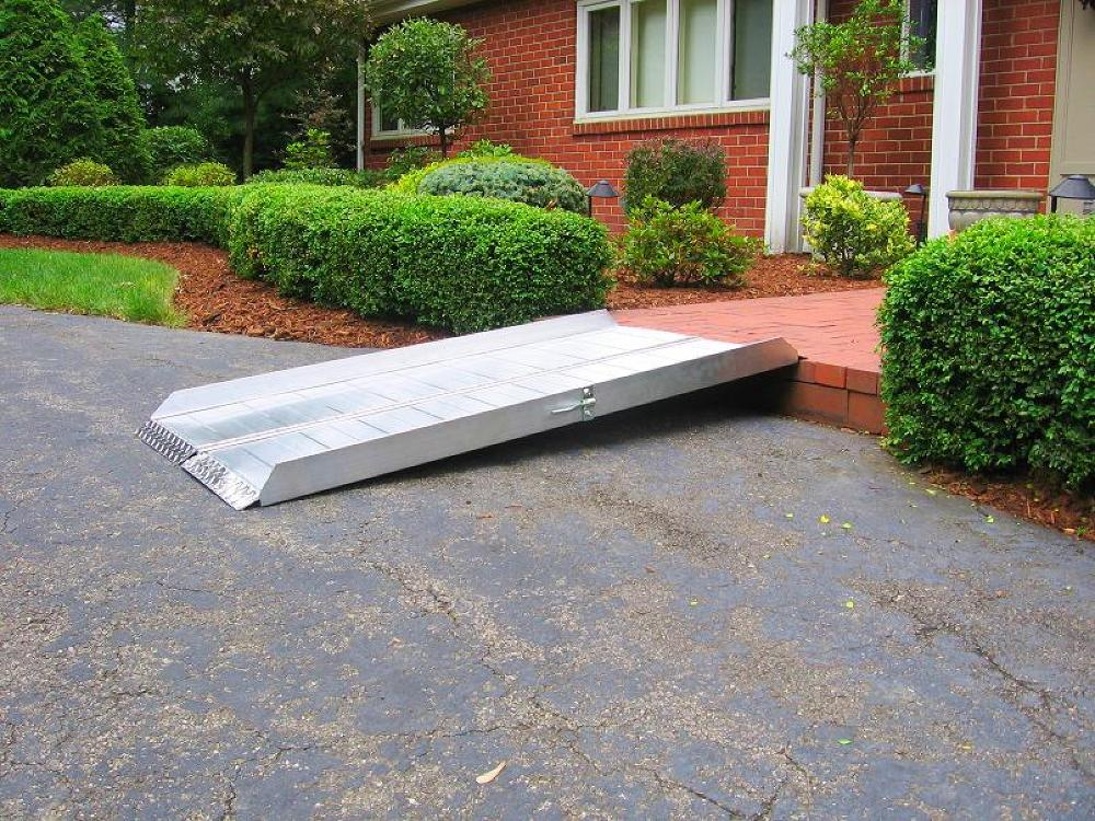 wheelchair ramp how to, lightweight wheelchair ramp, wheelchair ramp from to porch, build a temporary wood wheelchair ramp
