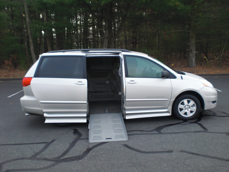 wheelchair vans in illinois, wheelchair mini vans huntington wv, wheel chair left vans, wheel chair accessible van rentals