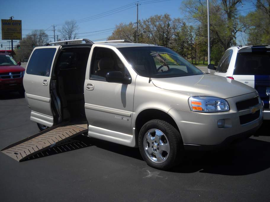 used wheelchair vans, wheelchair vans in mobility aids, handicap wheel chair van, wheelchair tie downs for vans