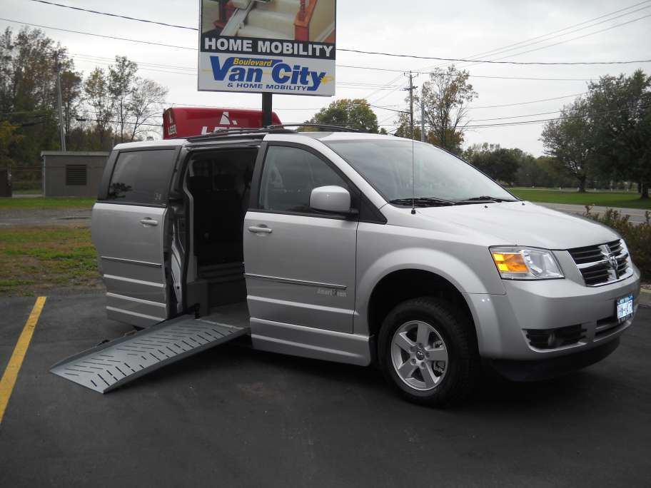 wheelchair ramps for vans, monarch wheelchair lift for vans, wheelchair van rental, 88 wheel chair ecno lodge van