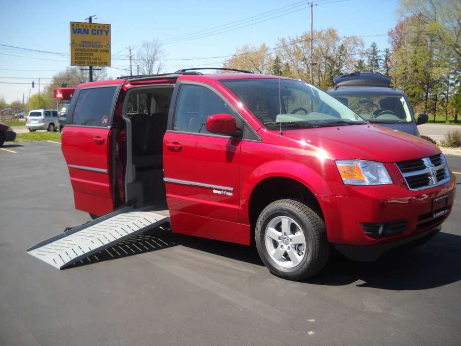 handicapped wheelchair accessible vans, wheelchair conversion van, mini van wheel chair ready, clearance van wheelchair