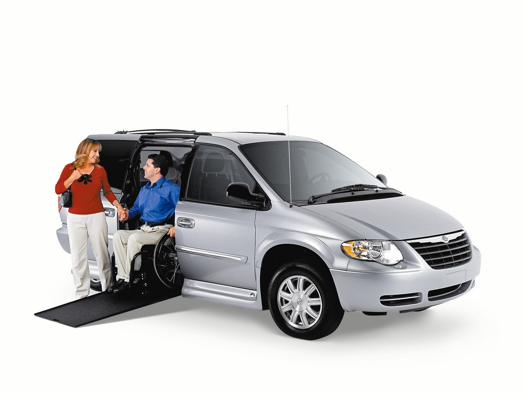 mini van with wheel chair lift, wheel chair left vans, wheel chair mini van, wheelchair conversion van