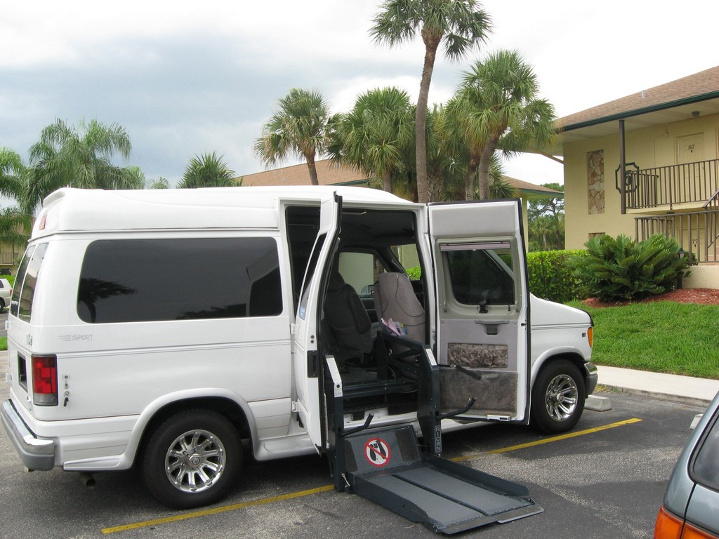 wheelchair vans in elcentro, ims wheelchair vans, motorized wheelchair lift for van, free wheelchair van