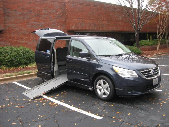 wheelchair accessible vans, braun wheelchair lifts for vans, handicap wheelchair vans, wheelchair van rentals in atlanta