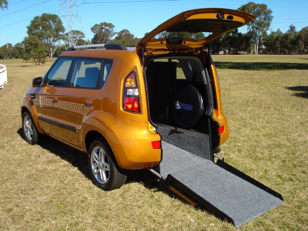 wheelchair vans in elcentro, wheelchair vans in illinois, van wheelchair lifts, handicap van with wheelchair lift