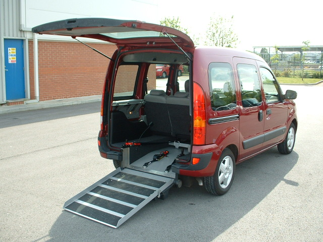 power wheelchair lifts for vans, wheelchair accessible vans, handicap wheelchair vans, leasing wheelchair accessible van