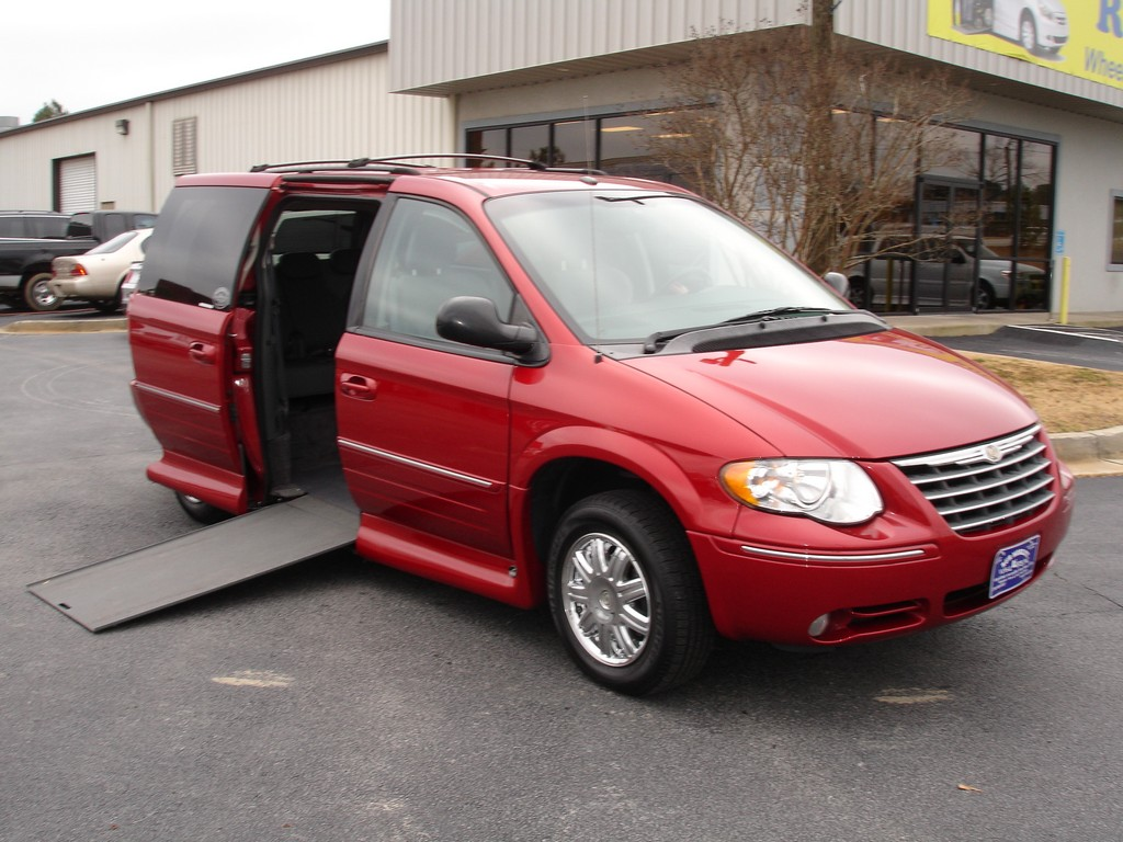 wheelchair mini vans, handicap van with wheelchair lift, wheelchair and van and loan, handicapped wheelchair accessible ramp vans