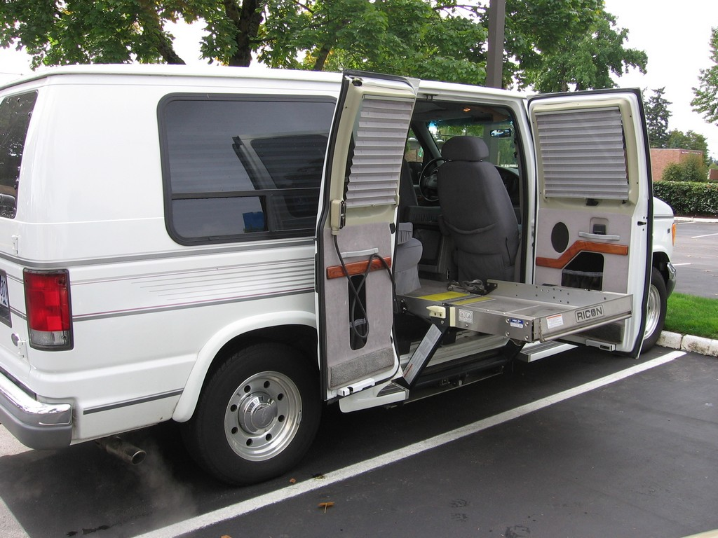 wheelchair accessible vans, full sized wheelchair vans, wheel chair van, 2009 ford wheelchair van